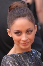 Nicole_Richie_at_the_82nd_Academy_Awards_(cropped).jpg
